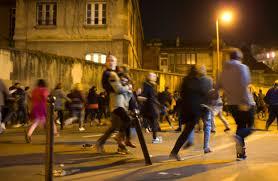 parigi la gente fugge